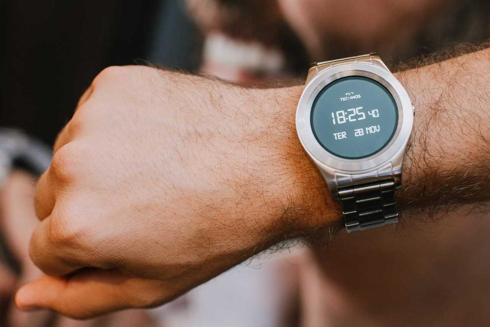a8507acfd2b ... Technos lança linha de smartwatches com primeito Full Display  brasileiro — Foto  Divulgação Technos