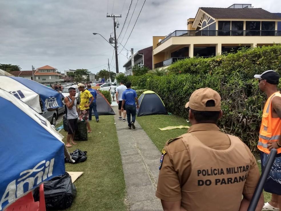 Turistas foram orientados a instalarem os acampamentos em campings da cidade — Foto: Divulgação/Secretaria Municipal de Segurança de Guaratuba