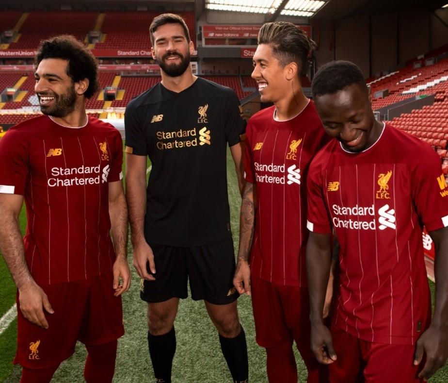 4edb73cf9529c ... Liverpool lança nova camisa com homenagem a lendário treinador do clube