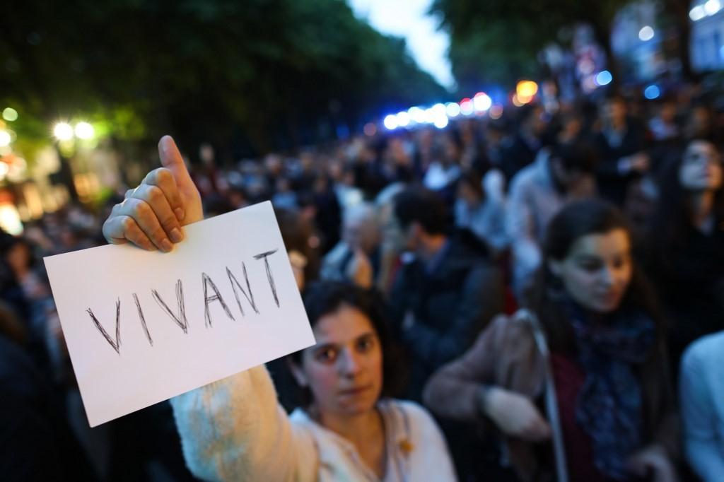 Justiça da França ordena retomar cuidados de paciente em estado vegetativo