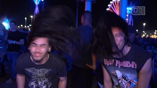 Fãs de metal avaliam bate cabelo de Joelma e 'headbangers' do pop