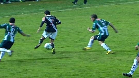 Herói no título da Copa do Brasil, Eder Luis tem futuro incerto no Vasco