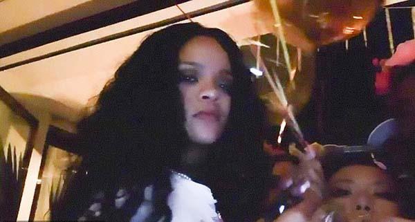 Aniversário de 32 anos da cantora Rihanna no México (Foto: Instagram)