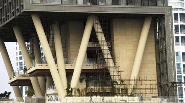 Tecnologia: prédio tem sistema para preservar o prédio em caso de terremoto (Foto: Reprodução)