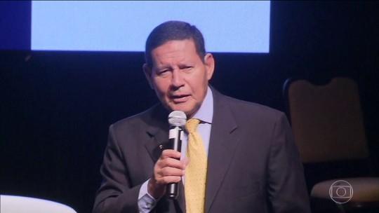 Vereador Carlos Bolsonaro volta a atacar vice-presidente Hamilton Mourão