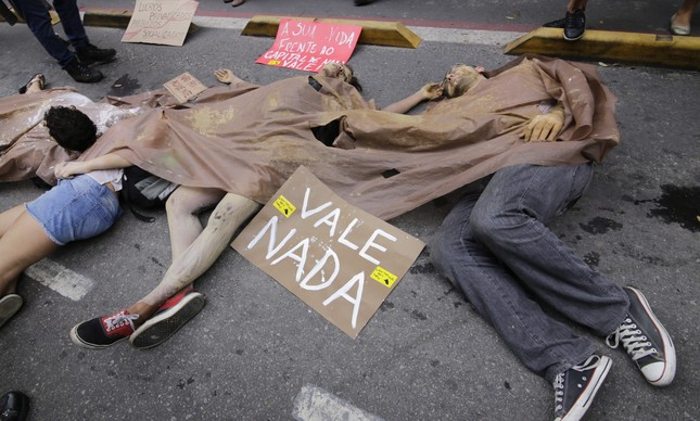Protesto na sede da Vale após a tragédia de Mariana