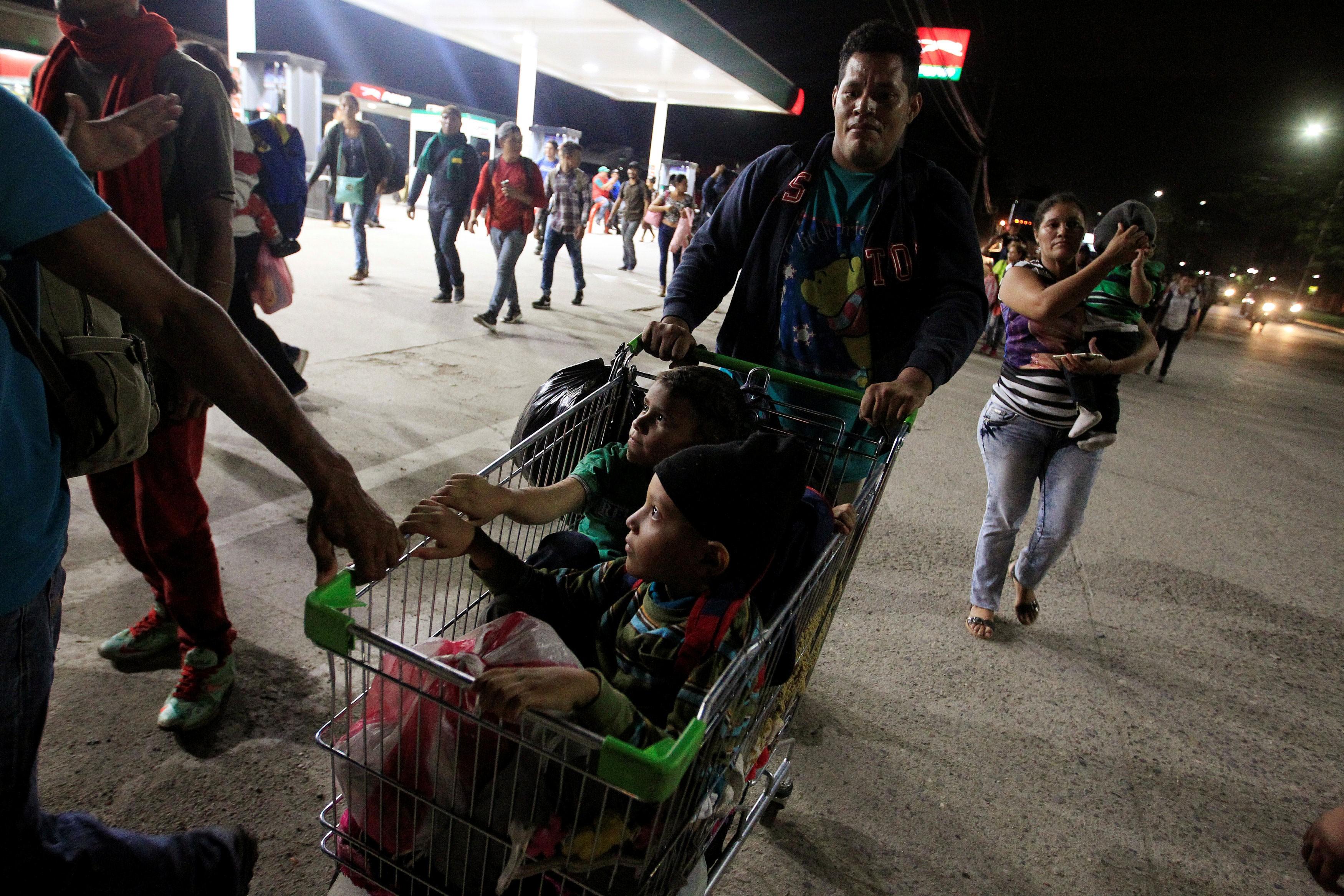 Nova caravana parte de Honduras a caminho dos EUA