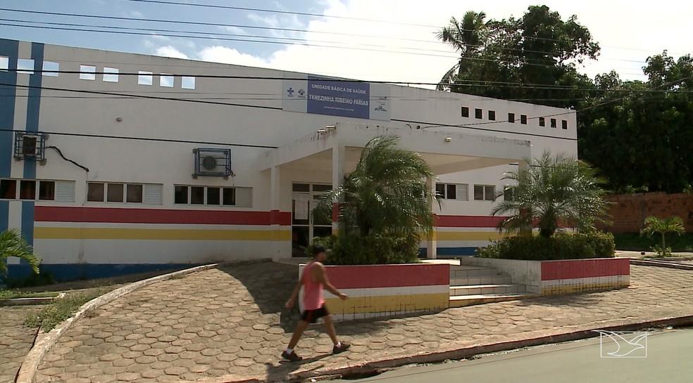 Na Vila Conviver, a Unidade Básica de Saúde Terezinha Ribeiro Farias também parou os atendimentos ao público em Raposa — Foto: Reprodução/TV Mirante
