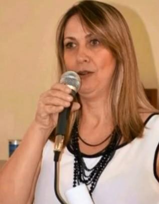 Prefeita cassada de Vera Cruz volta ao cargo após conseguir liminar na Justiça
