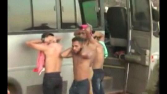 Assaltantes armados invadem micro-ônibus e fazem passageiros reféns no sudeste do Pará