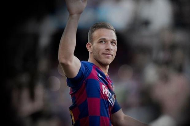 Arthur é meio-campista do Barcelona e da Seleção Brasileira (Foto: Divulgação/Barcelona)