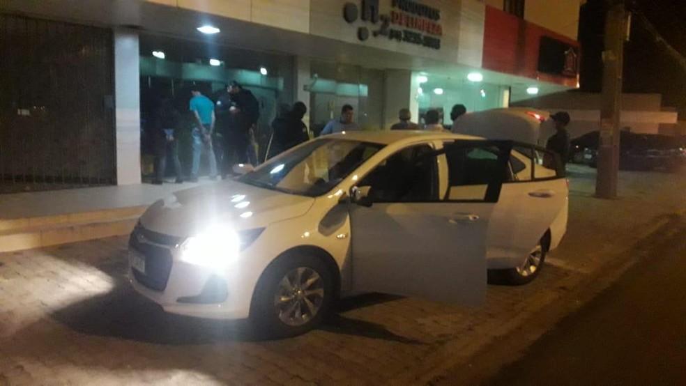 Segundo a PM, trio alugou um carro para fazer o roubo — Foto: Divulgação/PMPI