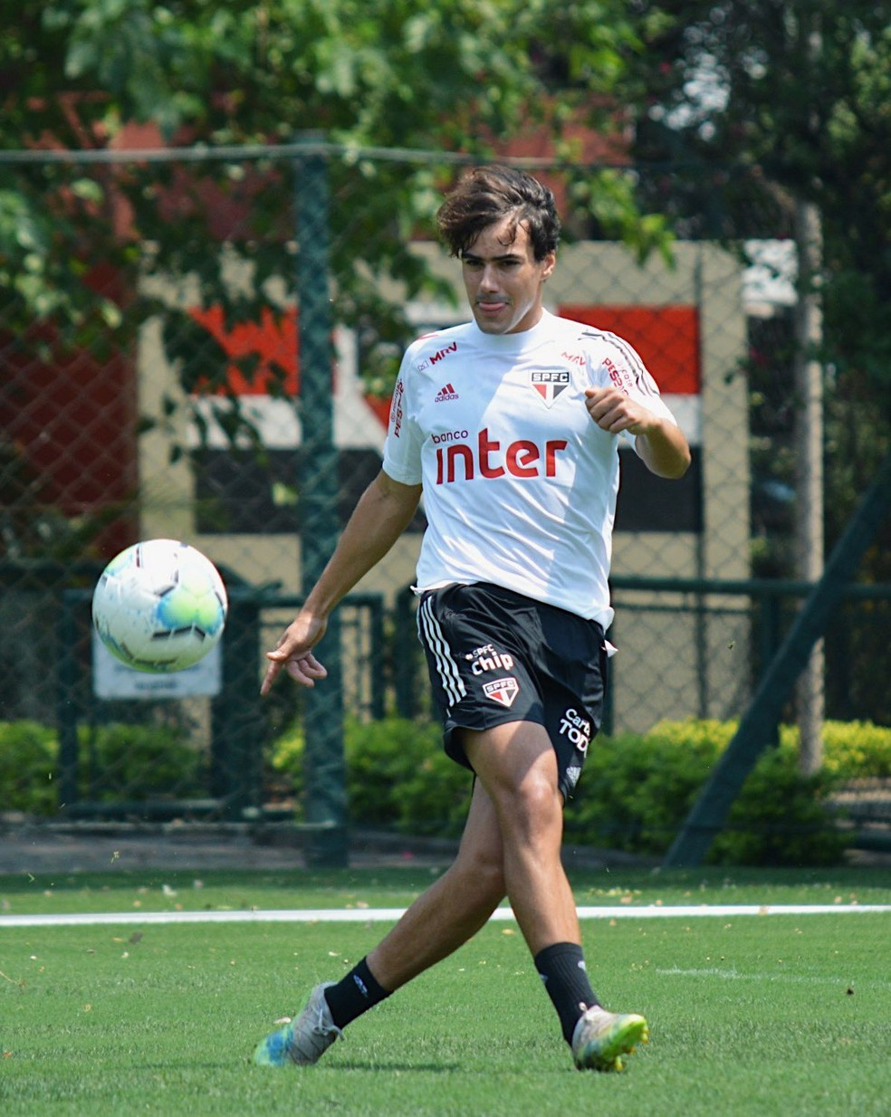 Igor Gomes deve ser mantido no time contra o Palmeiras — Foto: Reprodução/Twitter