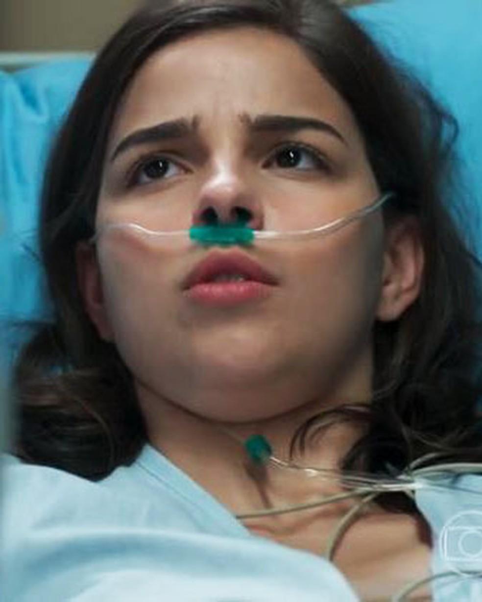 Keyla (Gabriela Medvedovski) quer continuar a tentar emagrecer em 'Malhação - Viva a Diferença' — Foto: Globo