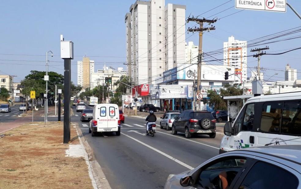 -  Radares fizeram quase 60 mil autuações desde que foram instalados na capital  Foto: Vitor Santana/G1