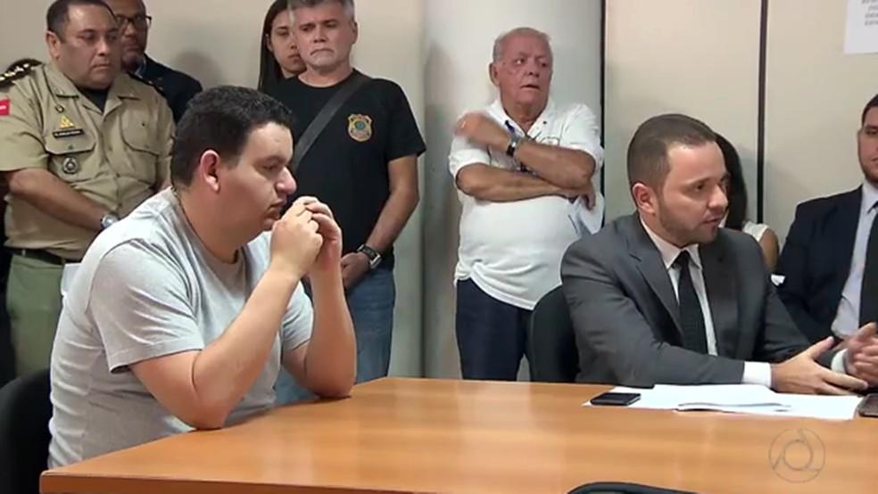 Fabiano Gomes passou por audiência de custódia após prisão preventiva ser cumprida (Foto: Reprodução/TV Cabo Branco)