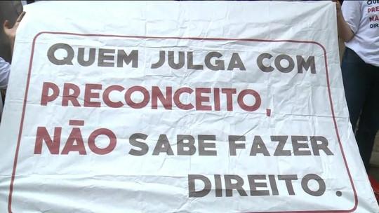 Desembargadora que divulgou mentiras sobre Marielle é alvo de protesto no Rio por ofensa a pessoas com Down