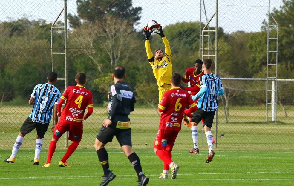 Phelipe Megiolaro é um dos destaques do Grêmio e convocado para seleção sub-20 (Foto: Rodrigo Fatturi/Grêmio)