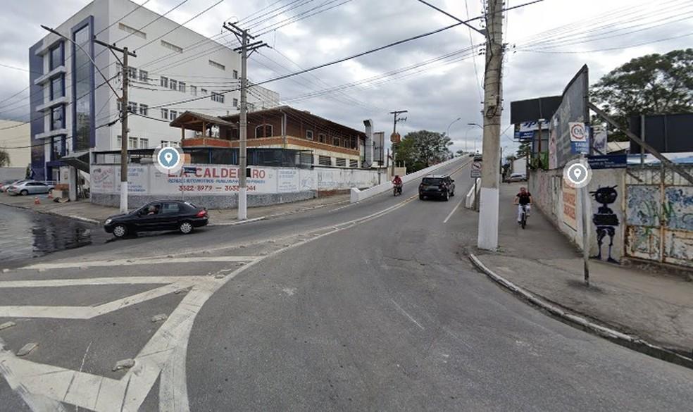 Viaduto da Charles Schnneider passa a ser mão única, apenas no sentido do shopping para o centro — Foto: Reprodução/Google Maps