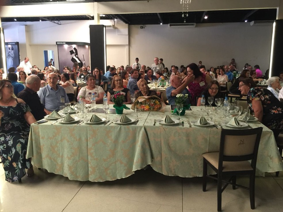 Festa em comemoração aos 100 anos foi realizada em Cascavel, neste domingo (8) (Foto: Mari Bueno/Arquivo Pessoal)