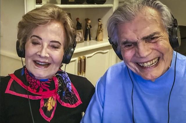 Glória Menezes e Tarcísio Meira no 'Altas horas' em agosto (Foto: TV Globo)