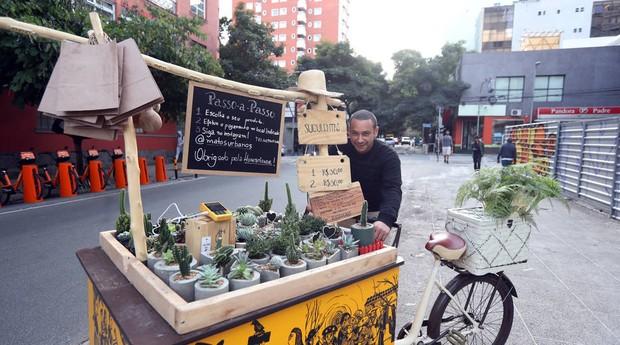 """Israel Joaquim de Santana, manobrista e empreendedor. """"Nunca fui roubado"""" (Foto: Estadão Conteúdo)"""