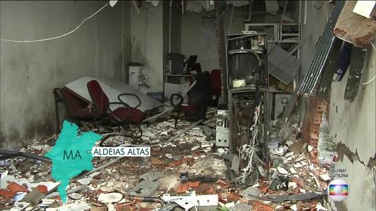Criminosos fazem reféns e explodem agências durante arrastão em cidade do MA