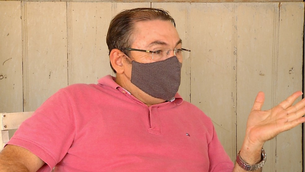 Iramar Oliveira, atual administrador da fazenda — Foto: Hugo Andrade/Inter TV Costa Branca