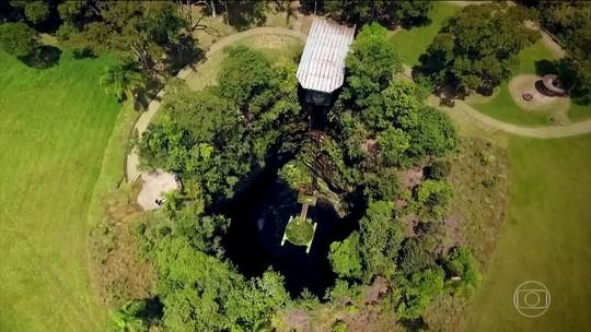 Parque no PR tem poços formados por grandes crateras com água