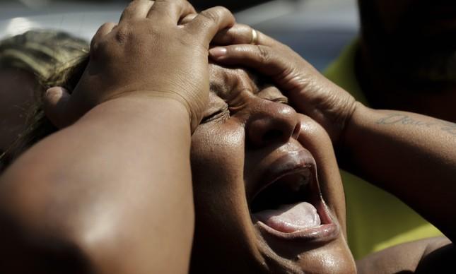 Luciana Nogueira, viúva do músico Evaldo Rosa, fuzilado pelo Exército no Rio