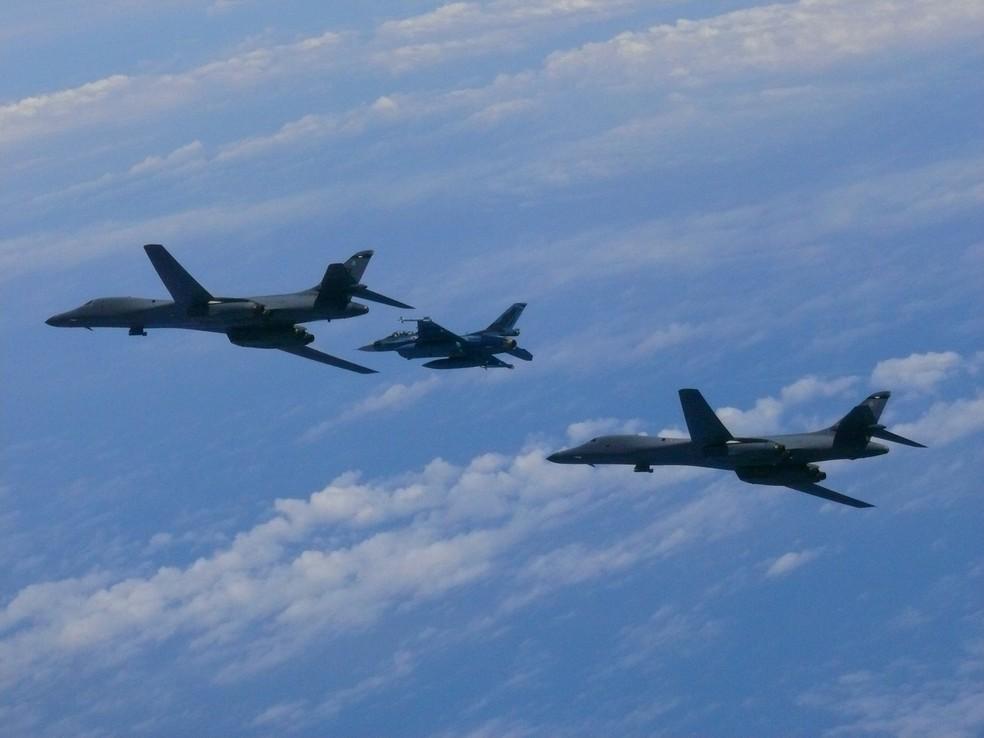 Bombardeiros B-1B (Foto: Japan Air Self-Defense Force/USAF/Handout via REUTERS)