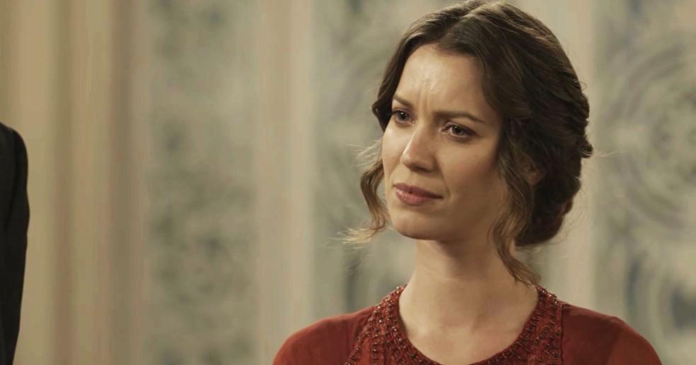 Elisabeta não aceita ser intimidada. Ela vai provar para o Lorde o quanto é corajosa (Foto: TV Globo)