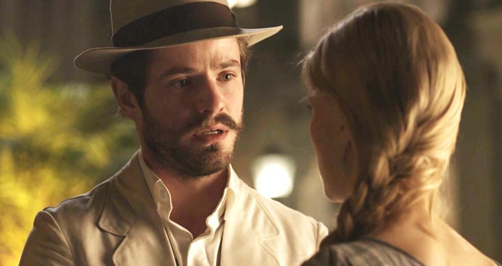 Camilo pede perdão para Jane e diz que nunca mais vai mentir  (Foto: TV Globo)