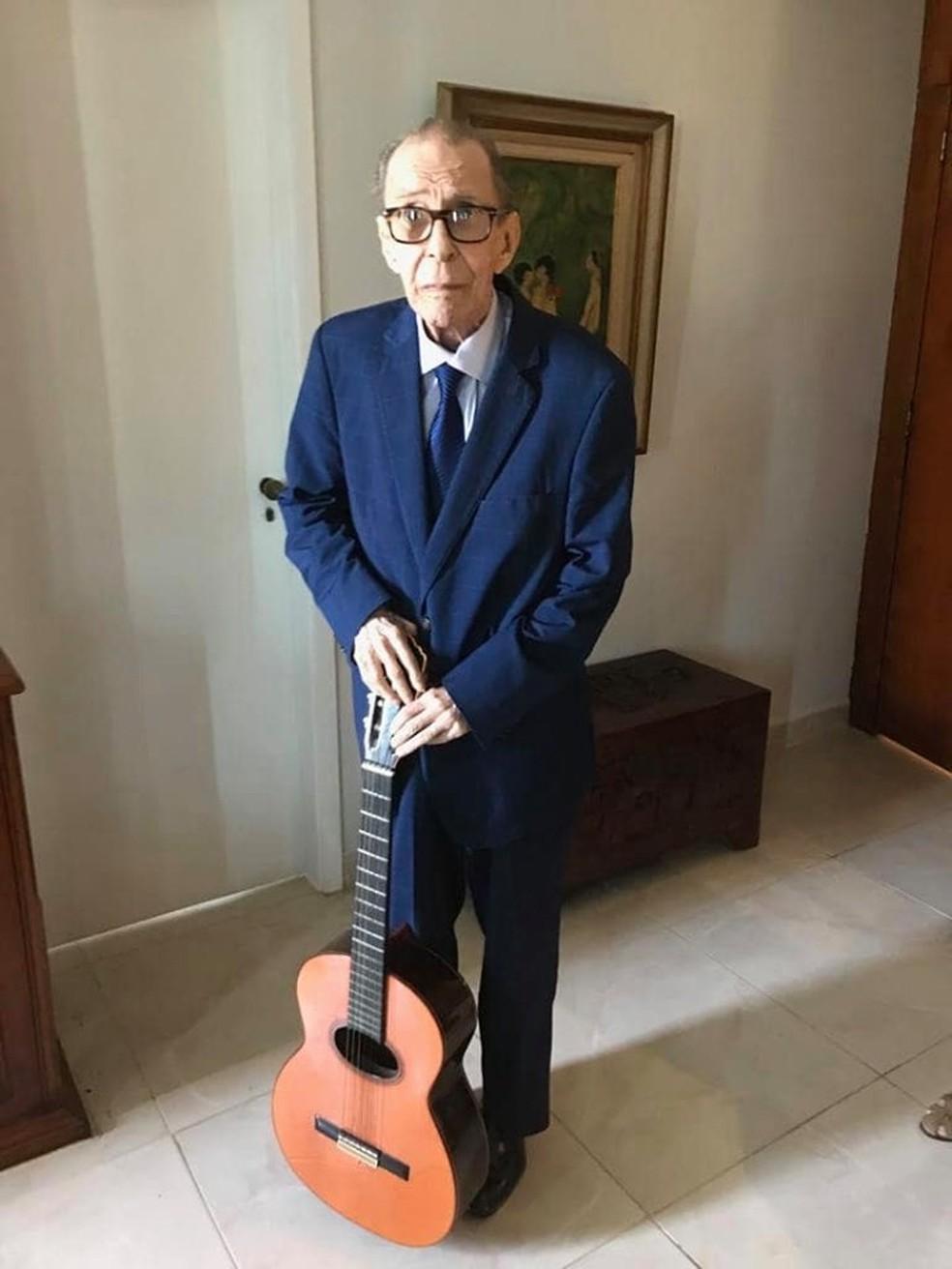 João Gilberto é clicado em post de Sofia Gilberto — Foto: Reprodução