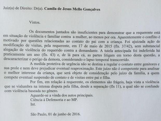 Decisão da juíza negando medida protetiva para Fernanda (Foto: Reprodução)