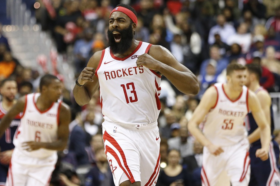 b0ba5e78b30 ... Atuação histórica deixa James Harden empatado com lenda da NBA em  ranking