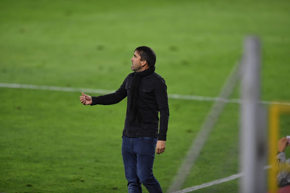 Eduardo Coudet deu novo estilo ao Inter e conquistou a torcida — Foto: Ricardo Duarte / Internacional