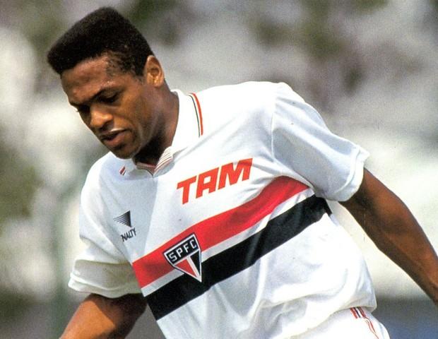 Ronaldão com a camisa do São Paulo (Foto: reprodução)