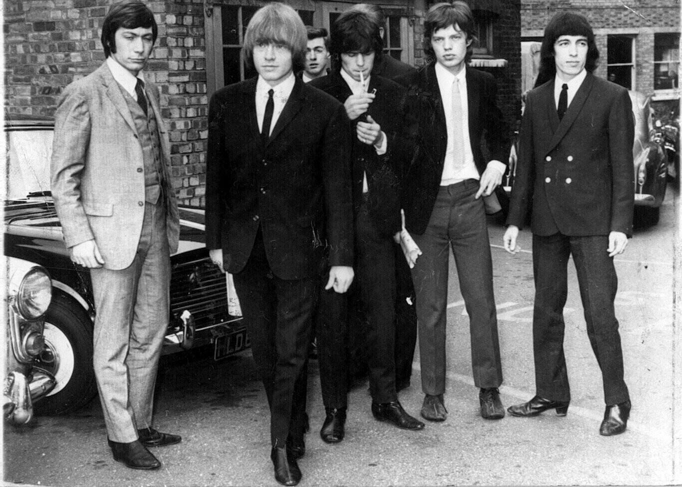 Formação original dos Rolling Stones, com Brian Jones à frente