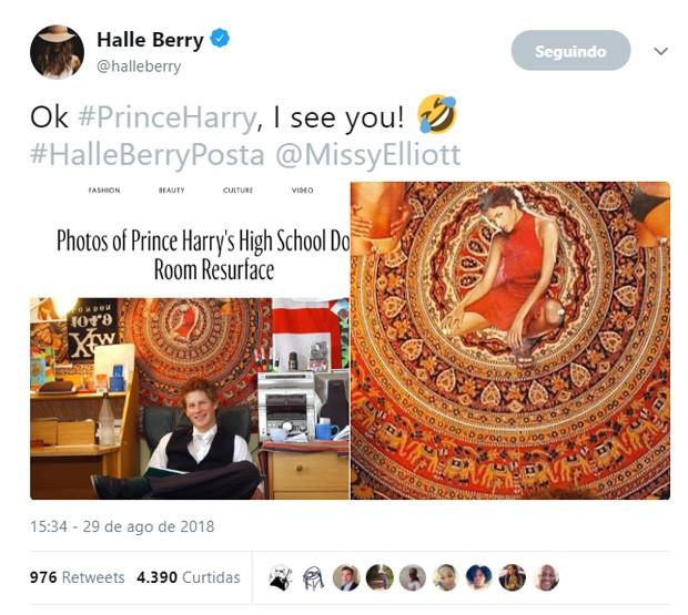 Halle Berry manda mensagem a príncipe Harry após descobrir foto na parede do quarto dele no colégio (Foto: Reprodução)