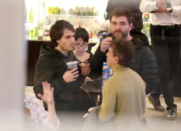 Hugo Bonemer e Conrado Helt (de barba) (Foto: AgNews/Thiago Martins)