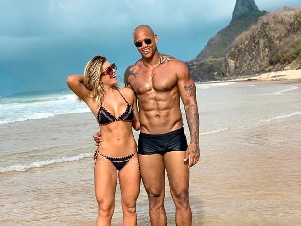Leo Santana e Lorena Improta mostrão físico (Foto: Reprodução/Instagram)