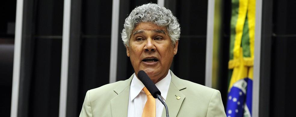 O deputado Chico Alencar (PSOL-RJ) discursa durante sessão de votação da Câmara — Foto: Luís Macedo/Câmara dos Deputados