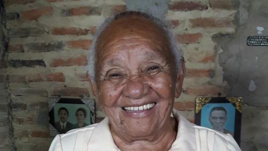 Profissão parteira; Dona Maria Alves ajudou a trazer mais de 400 pessoas ao mundo