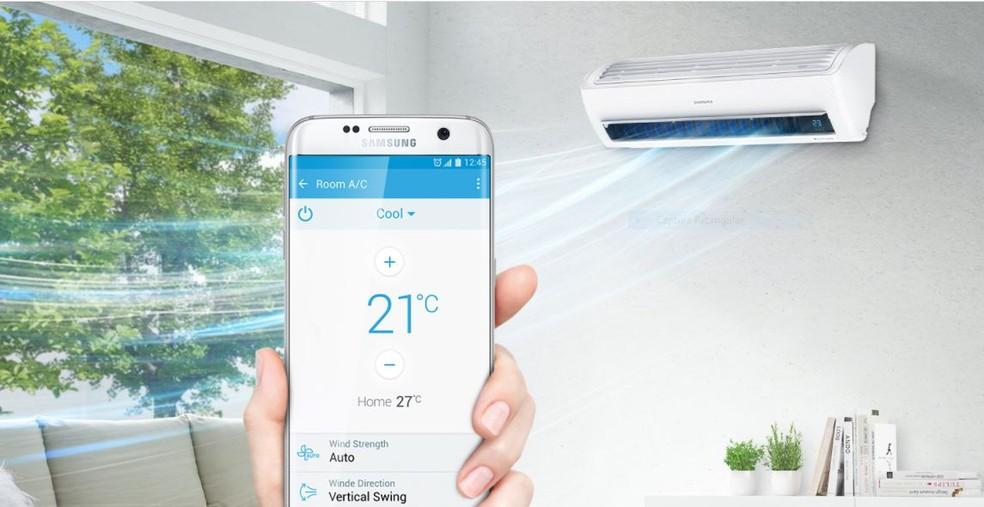 Ar condicionado inteligente pode ser ligado e desligado à distância através de app para celular (Foto: Divulgação/ Samsung)
