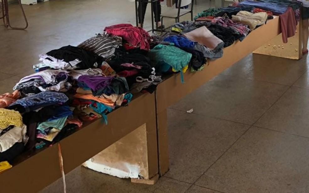 Projeto vende roupas por até R$ 5 e dinheiro é revertido para a própria comunidade em Goiânia, Goiás — Foto: Arquivo pessoal/ Projeto ASA