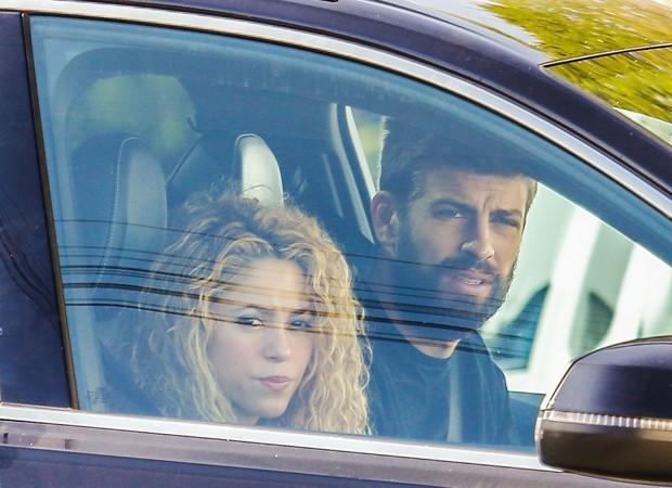 Shakira e Gerard Piqué (Foto: Backgrid)