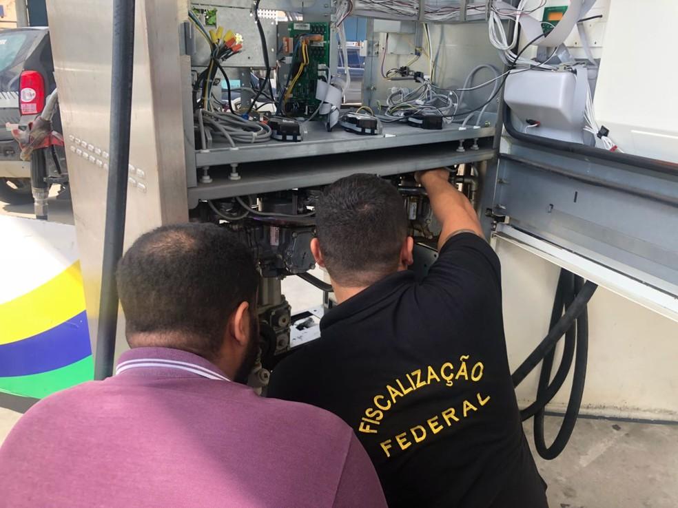 Operação do Ipem identifica fraudes em bombas de combustíveis em postos de Natal (Foto: Ipem/Divulgação)