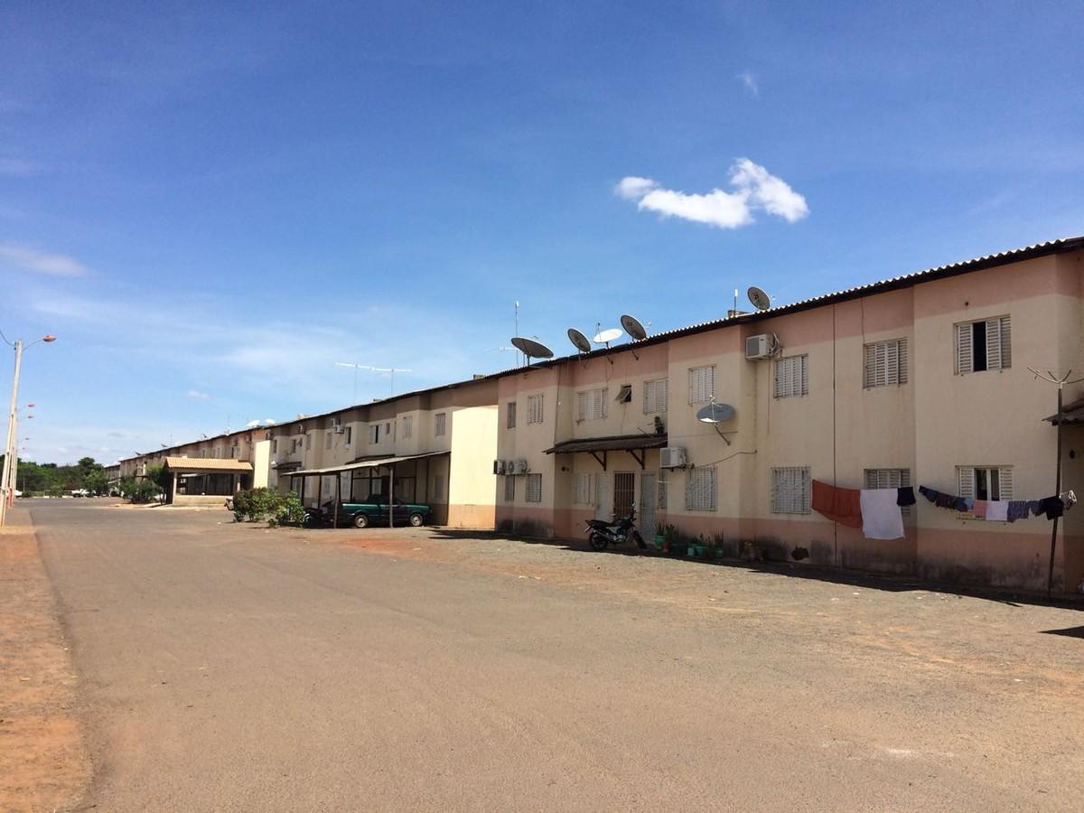 Moradores reclamam da falta de iluminação pública em área externa de condomínio em Boa Vista