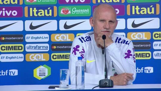 """Taffarel explica ausências de Vanderlei e Fábio: """"Há goleiros melhores do que eles"""""""